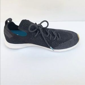 Native 39 8 Black AP Mercury Liteknit Sneakers
